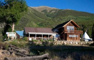 Twin Lakes Roadhouse